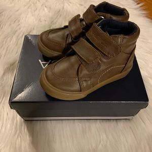 NAUTICA size 5 toddler shoes